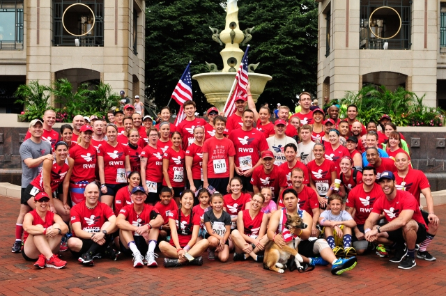 The DC area chapter of Team RWB before the start of the race