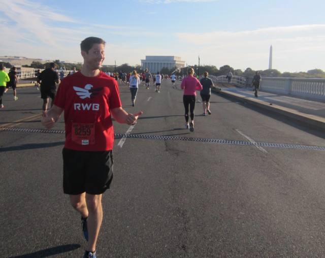 Just having some fun while running across Memorial Bridge towards the Lincoln Memorial