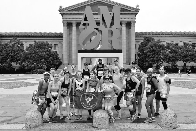 We Run Social runners ready to take on the streets of Brotherly Love Photo Credit: Dani from Weight Off of My Shoulders